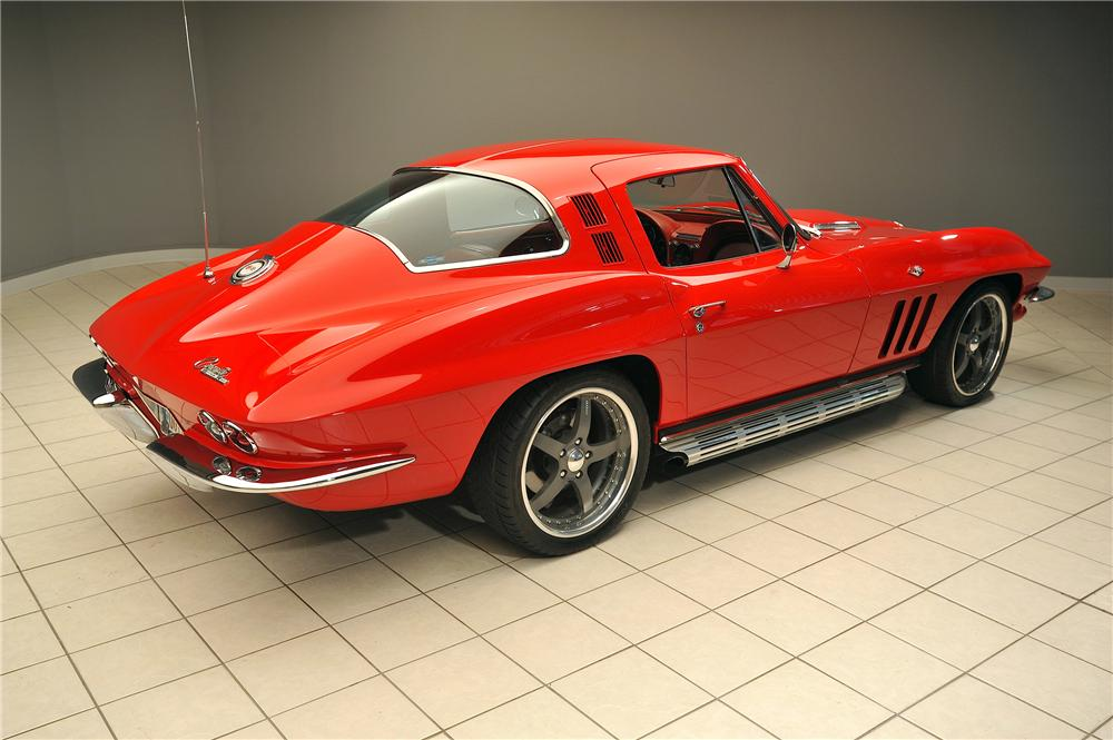 1965 CHEVROLET CORVETTE CUSTOM 2 DOOR COUPE - Rear 3/4 - 138030