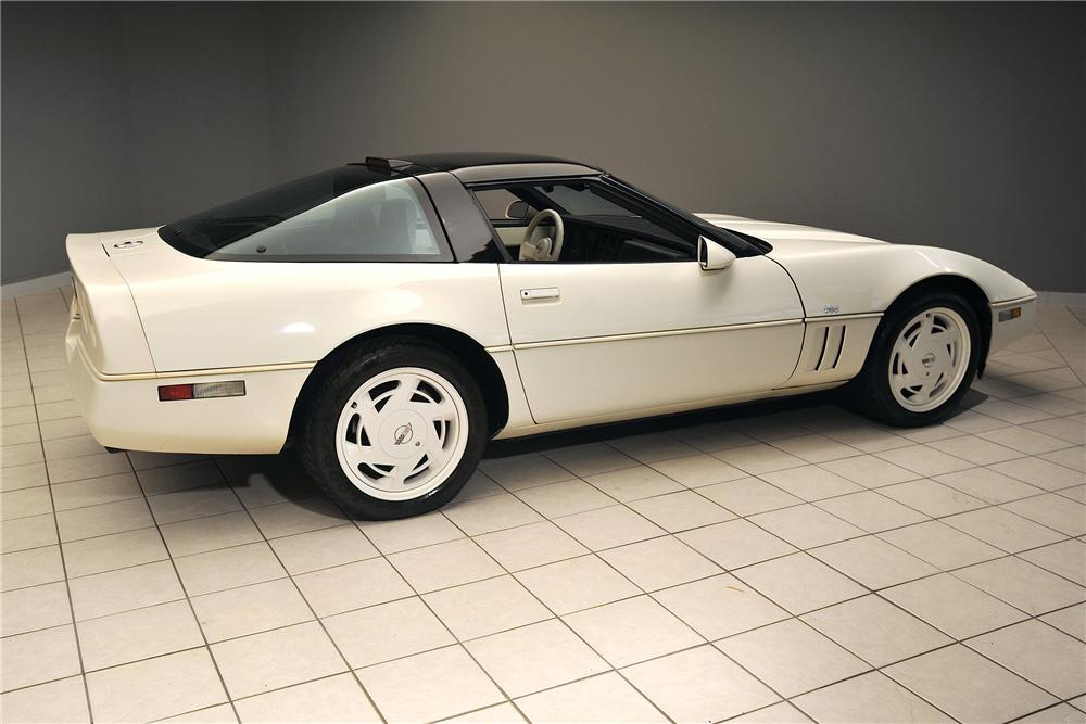 1988 CHEVROLET CORVETTE COUPE - Rear 3/4 - 138038