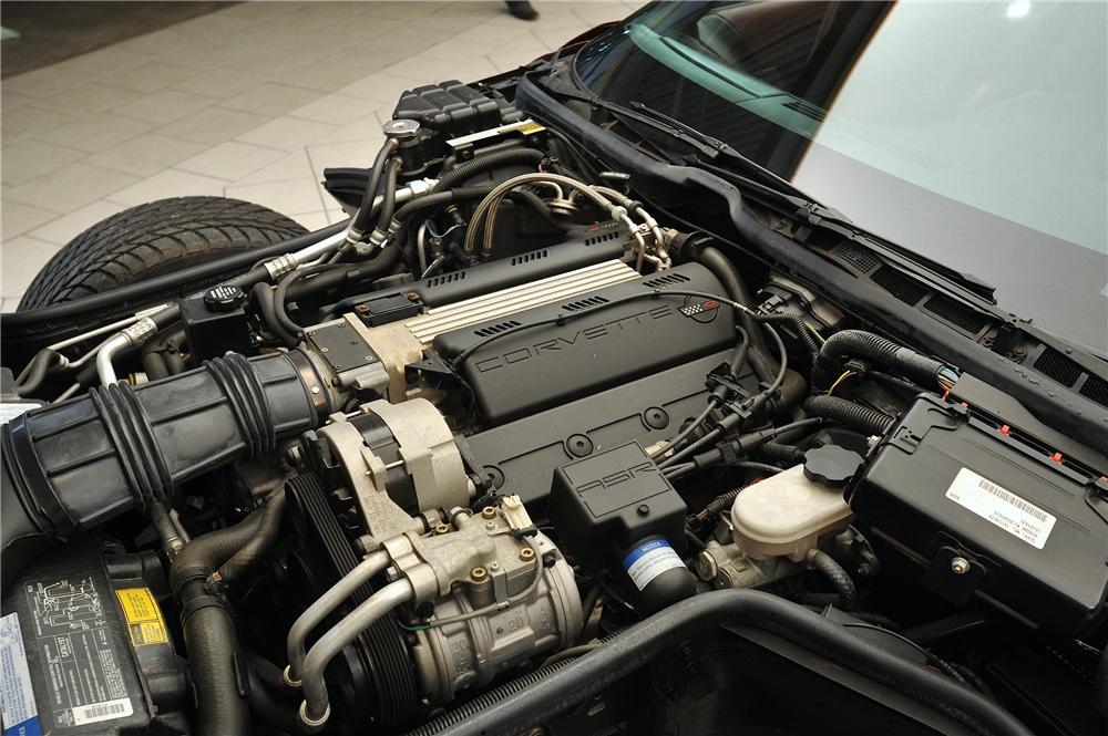 1993 CHEVROLET CORVETTE 2 DOOR COUPE - Engine - 138047