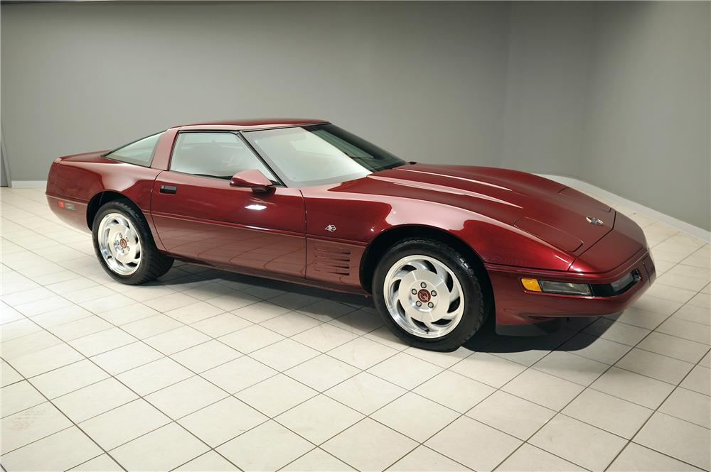 1993 CHEVROLET CORVETTE 2 DOOR COUPE - Front 3/4 - 138047