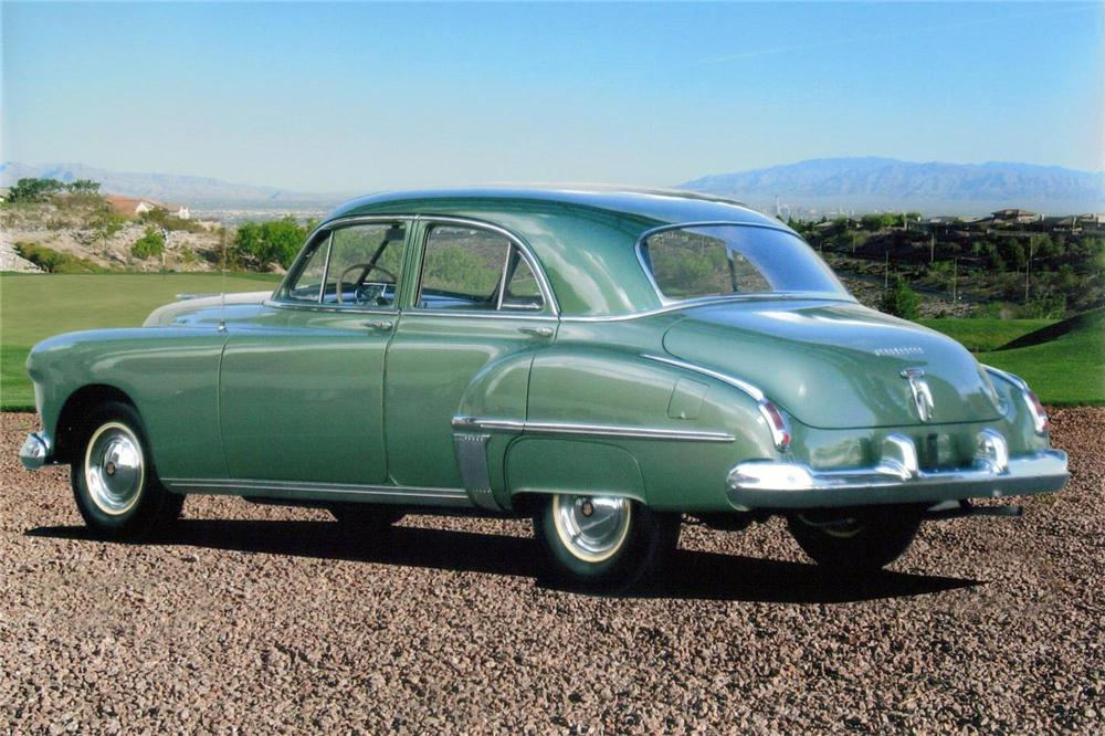 1949 OLDSMOBILE SERIES 76 4 DOOR SEDAN - Rear 3/4 - 138064