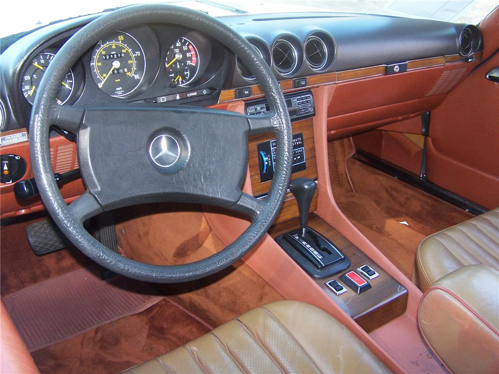 1981 MERCEDES-BENZ 380SL CONVERTIBLE - Interior - 138076