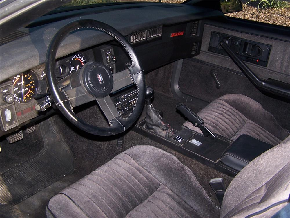 1982 CHEVROLET CAMARO Z/28 2 DOOR COUPE - 138078