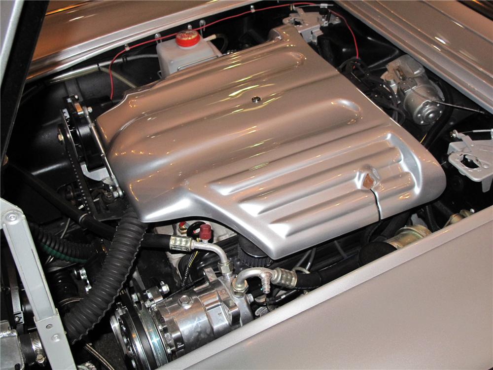 1960 CHEVROLET CORVETTE CUSTOM ROADSTER - Engine - 138085
