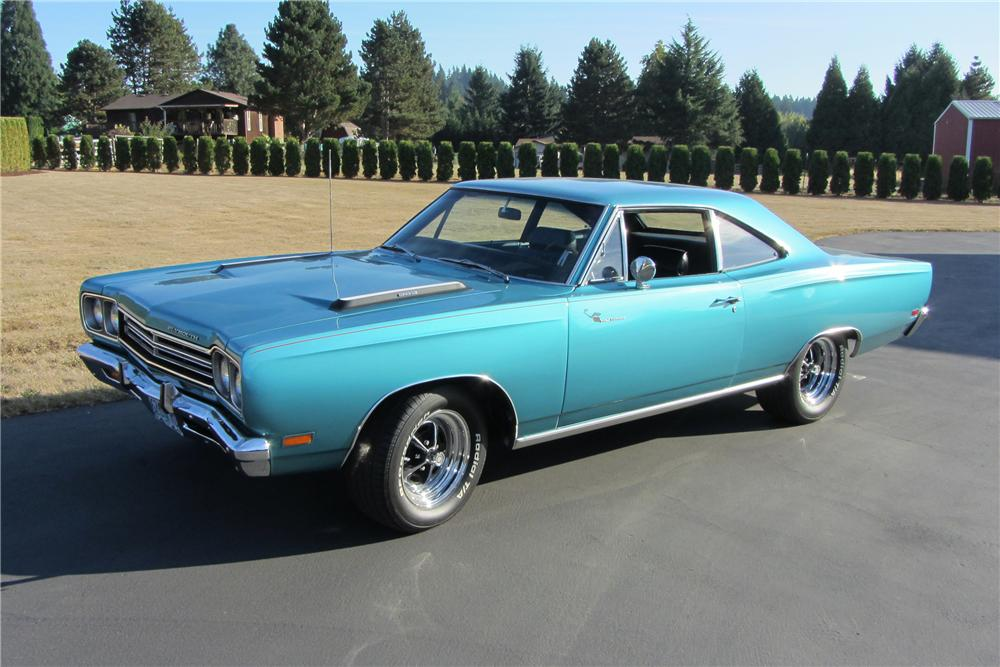 1969 PLYMOUTH ROAD RUNNER 2 DOOR COUPE - Front 3/4 - 138095