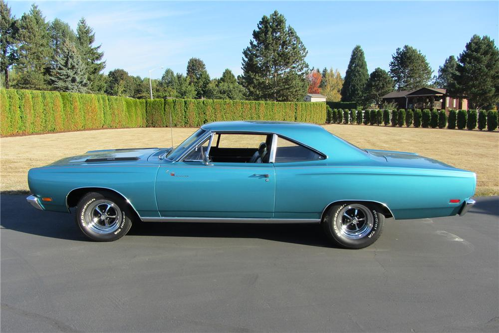 1969 PLYMOUTH ROAD RUNNER 2 DOOR COUPE - Side Profile - 138095