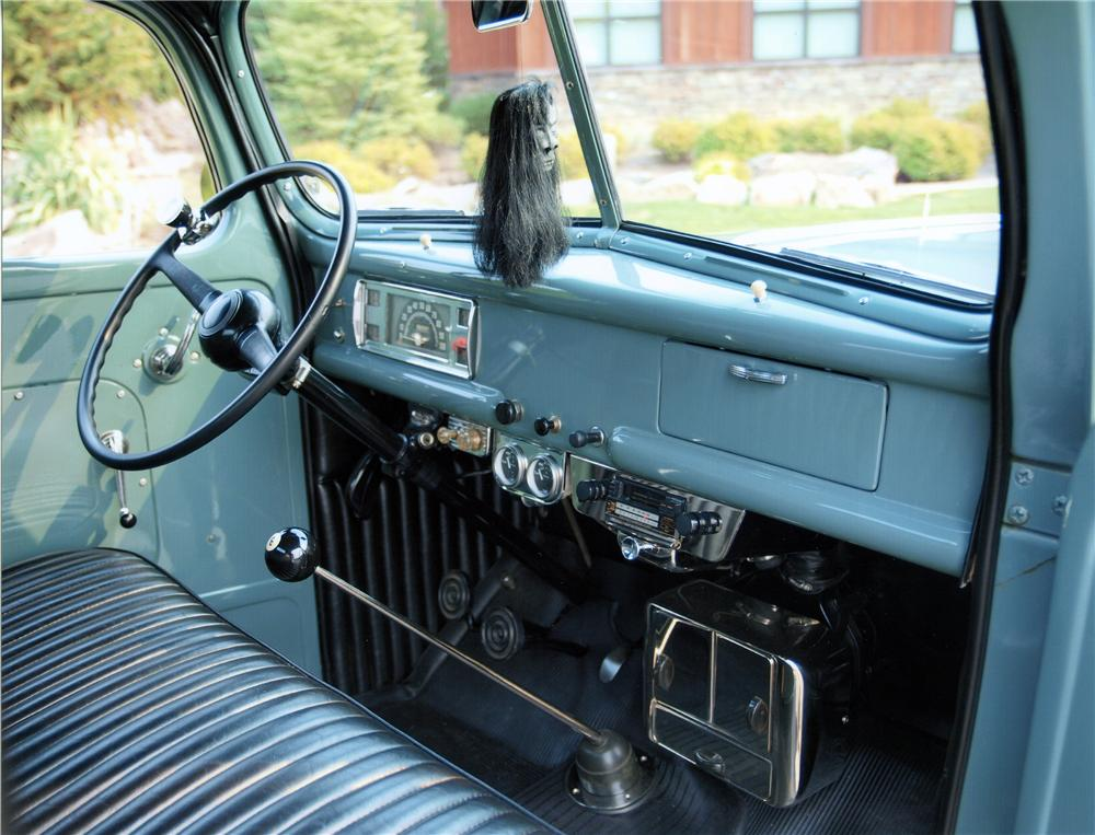 1946 FORD 1/2 TON CUSTOM PICKUP - Interior - 138098