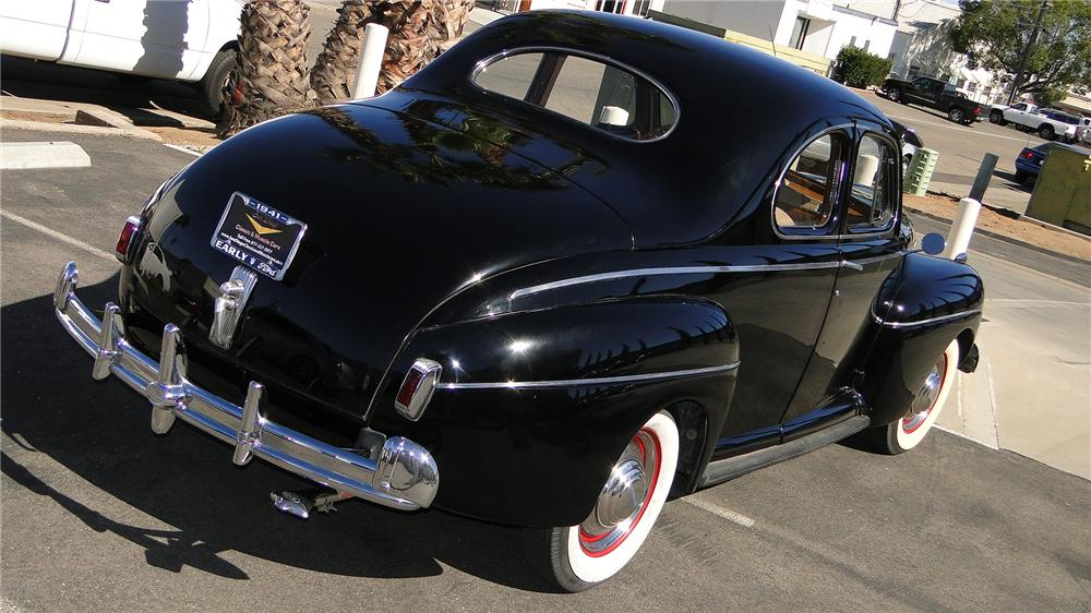 1941 FORD SUPER DELUXE 3 PASSENGER BUSINESS COUPE - Rear 3/4 - 138113
