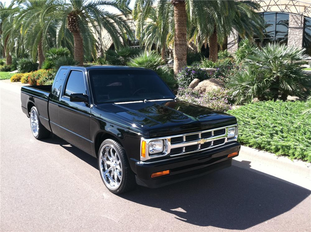 1990 CHEVROLET S-10 CUSTOM PICKUP - Front 3/4 - 138141