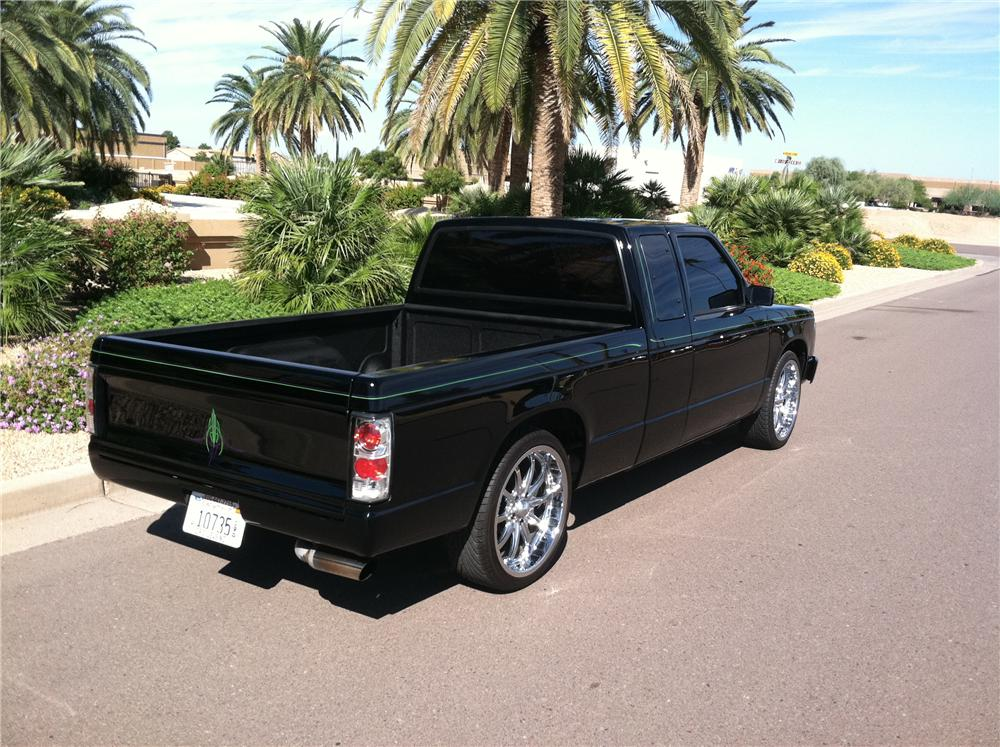 1990 CHEVROLET S-10 CUSTOM PICKUP - Rear 3/4 - 138141