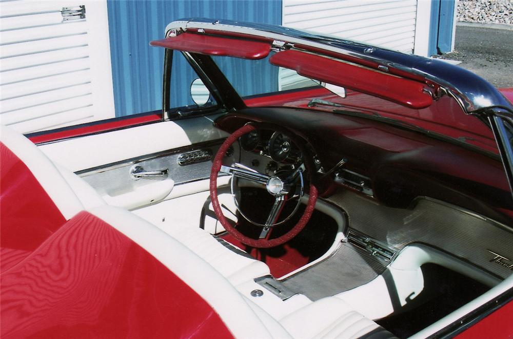 1961 FORD THUNDERBIRD CONVERTIBLE PACE CAR RE-CREATION - Interior - 138169