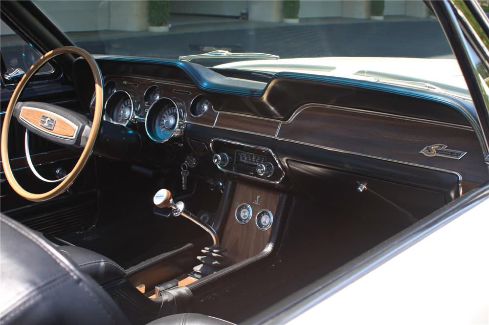 1968 SHELBY GT500 KR CONVERTIBLE - Interior - 138176