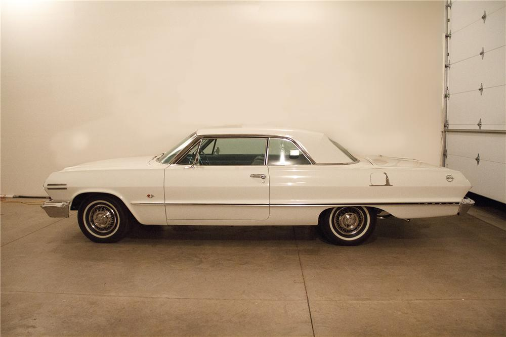 1963 CHEVROLET IMPALA 2 DOOR COUPE - Side Profile - 138178