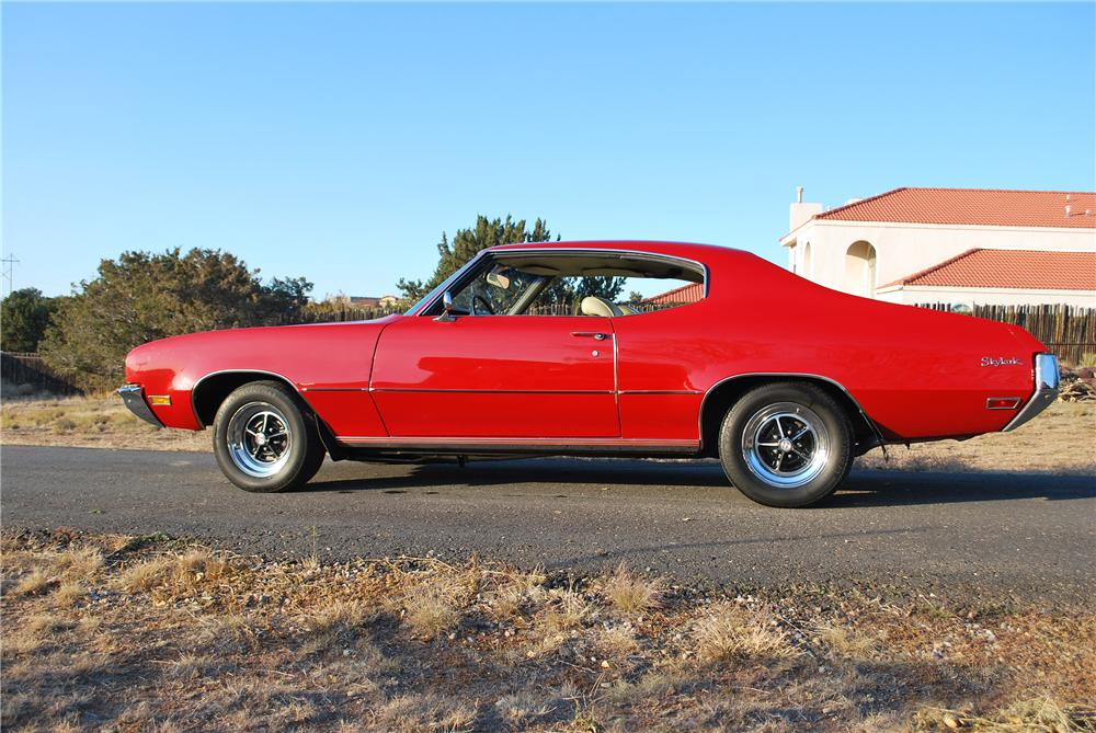 1972 BUICK SKYLARK CUSTOM 2 DOOR HARDTOP - Side Profile - 138180