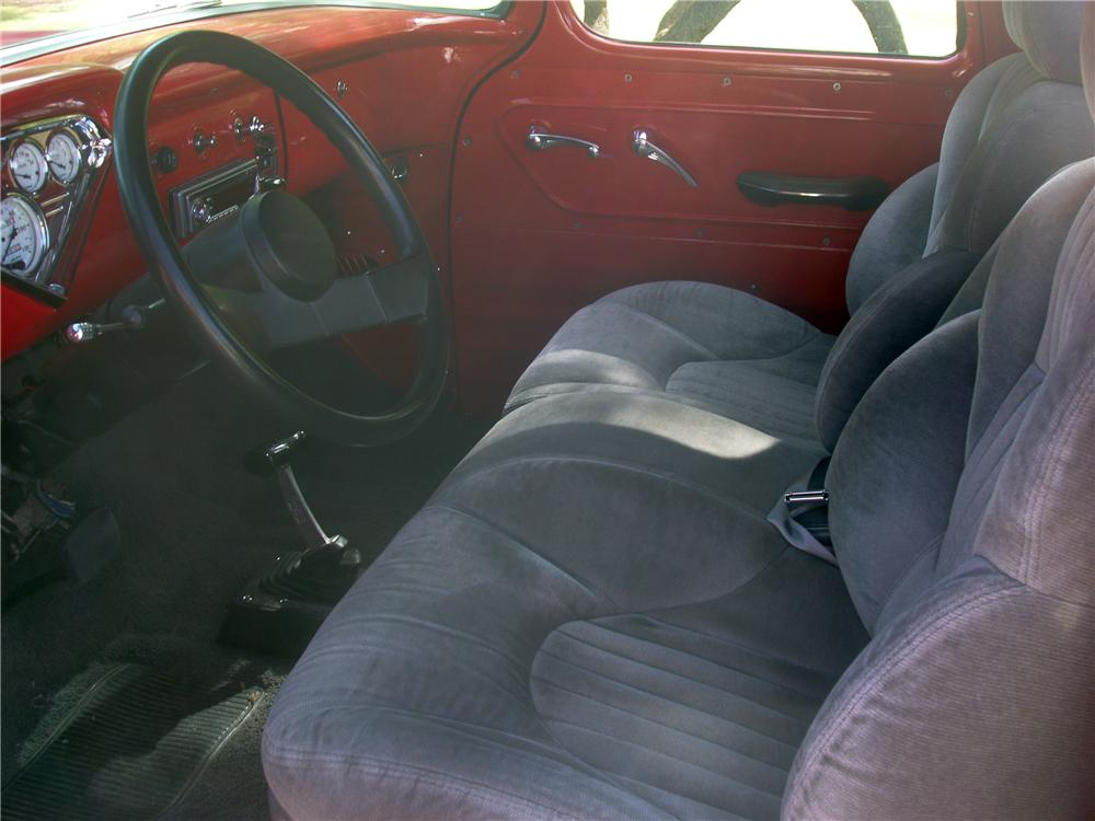 1957 CHEVROLET 3100 CUSTOM PICKUP - Interior - 138182