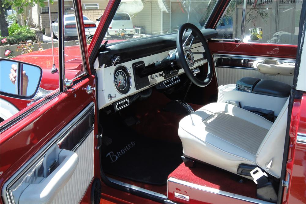 1973 FORD BRONCO CUSTOM 2 DOOR - Interior - 138183