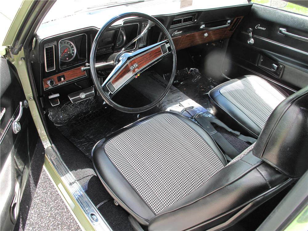 1969 CHEVROLET CAMARO 2 DOOR HARDTOP - Interior - 138189