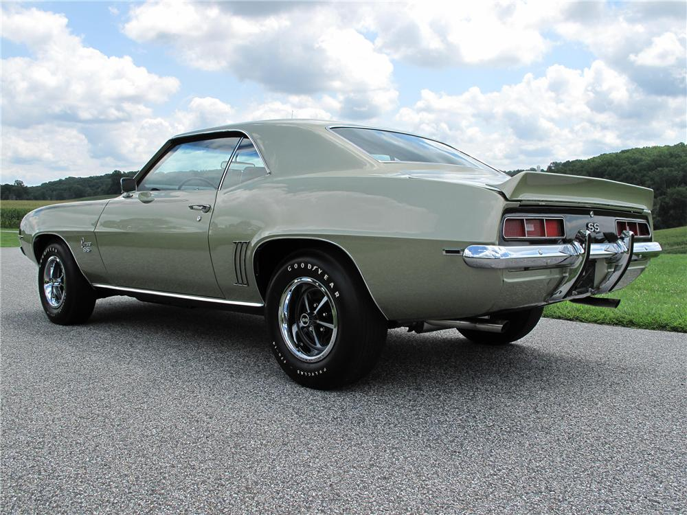 1969 CHEVROLET CAMARO 2 DOOR HARDTOP - Rear 3/4 - 138189