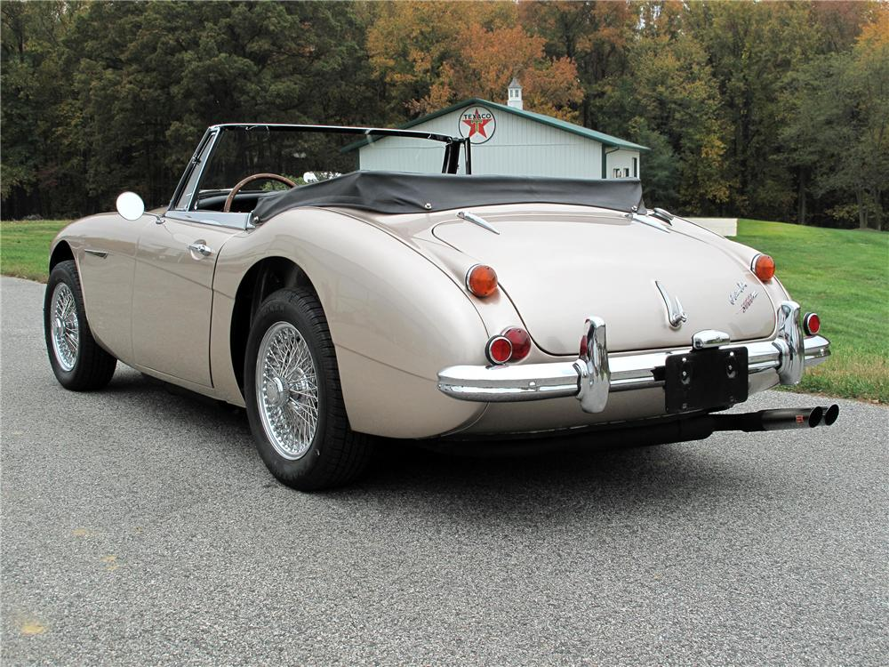 1967 AUSTIN-HEALEY 3000 MARK III BJ8 CONVERTIBLE - Rear 3/4 - 138191