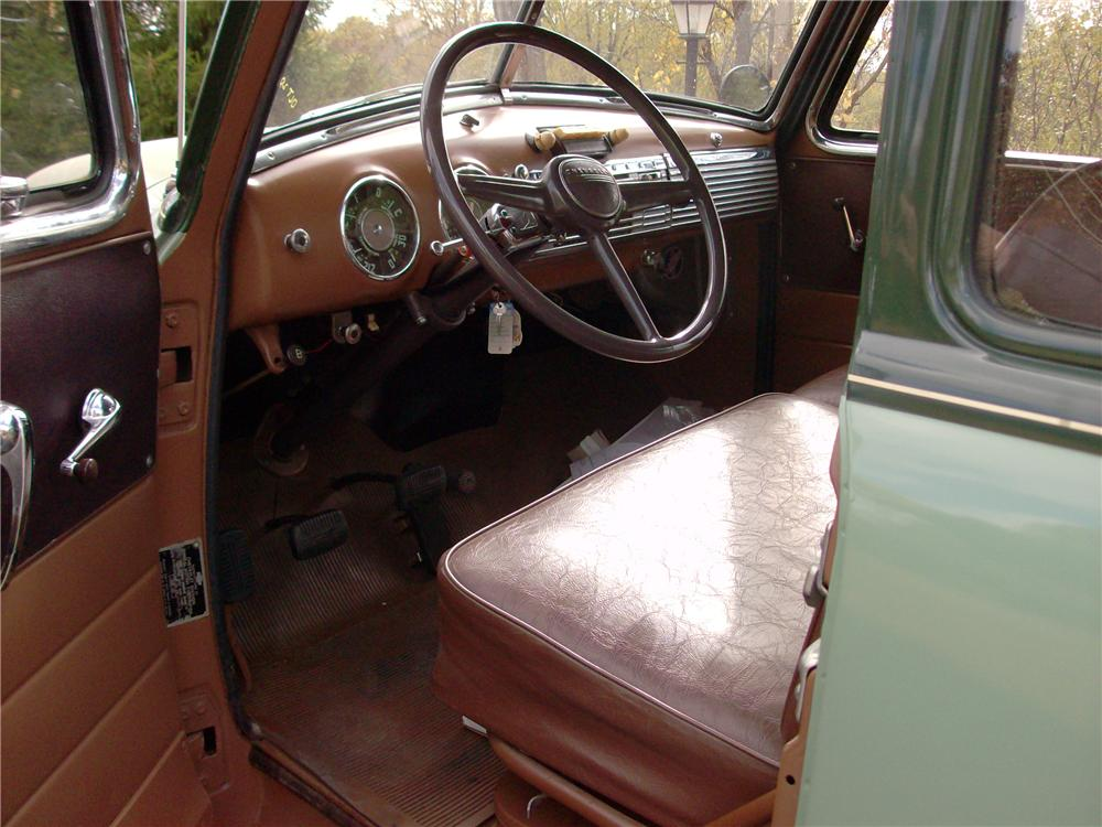1952 CHEVROLET SUBURBAN STATION WAGON - Interior - 138201