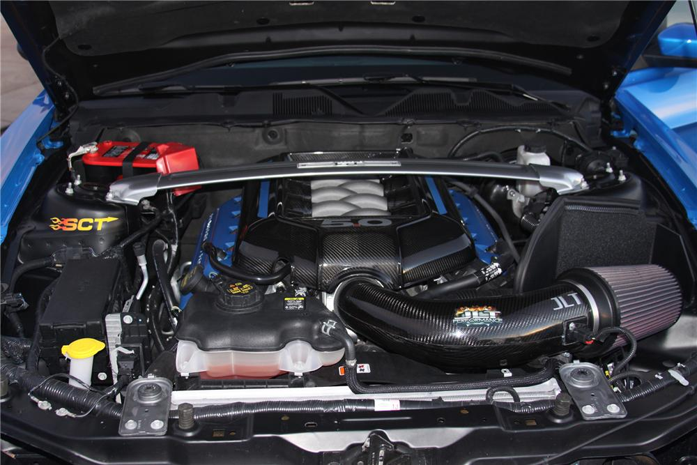 2011 FORD MUSTANG CUSTOM 2 DOOR COUPE - Engine - 138207