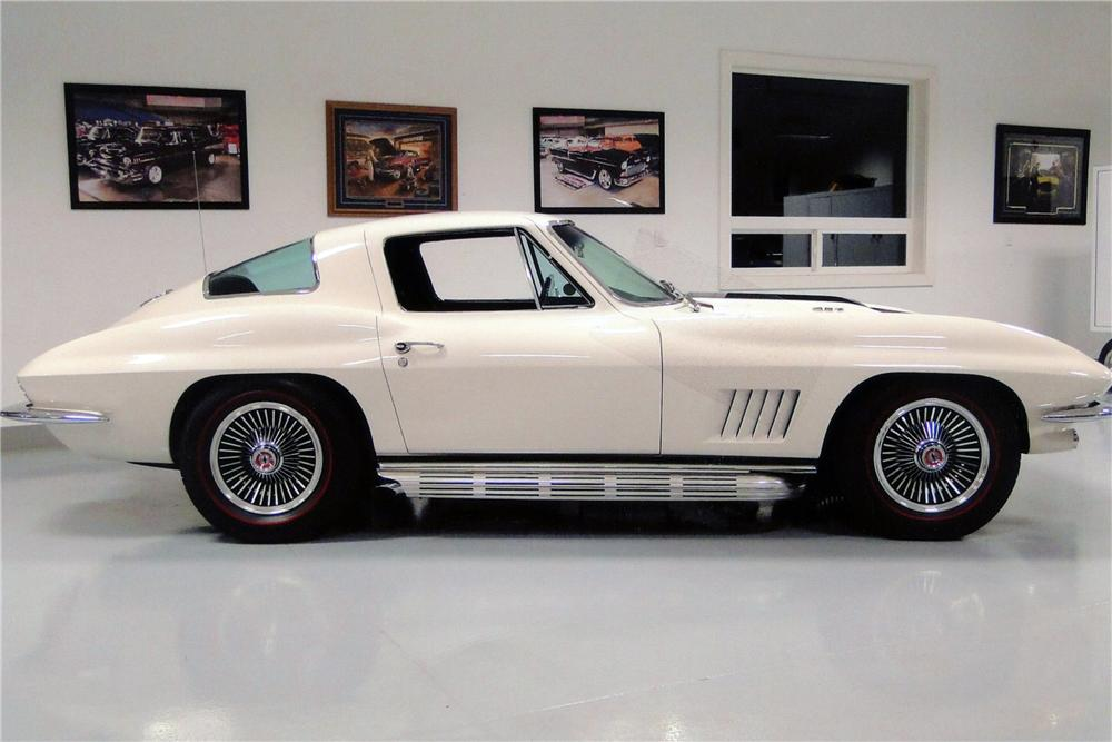 1967 CHEVROLET CORVETTE 2 DOOR COUPE - Side Profile - 138208