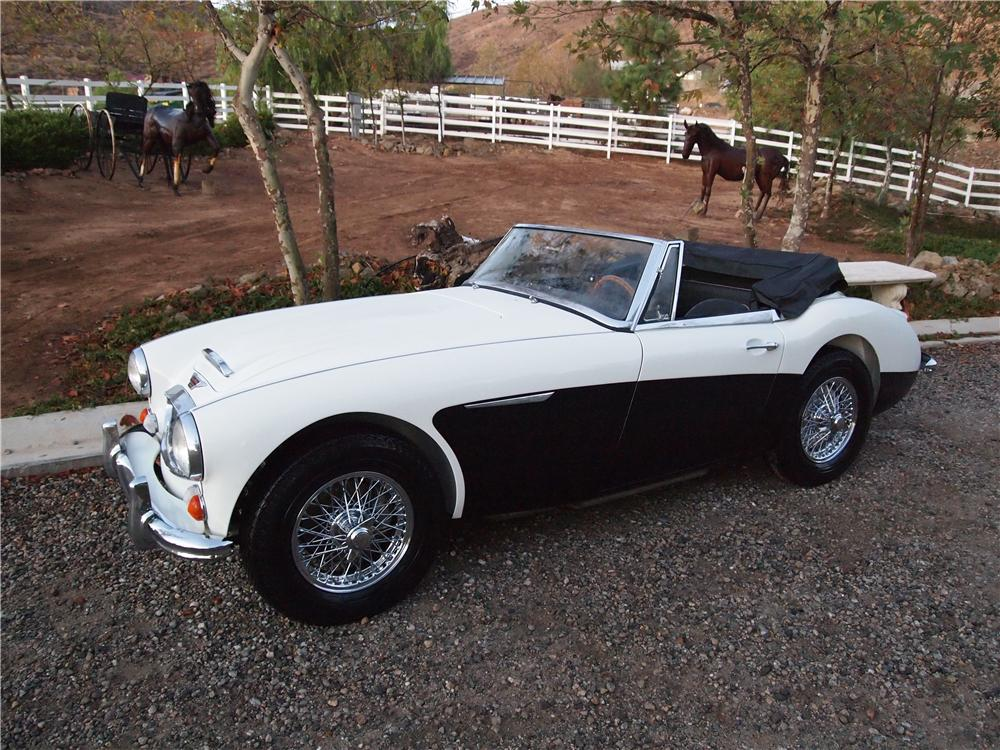 1966 AUSTIN-HEALEY BJ8 CONVERTIBLE - Side Profile - 138219