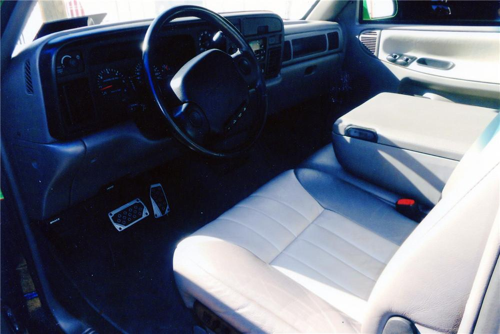 1995 DODGE RAM CUSTOM PICKUP - Interior - 138253