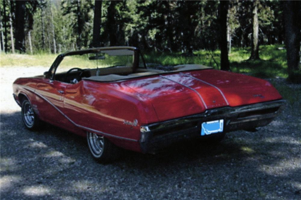 1968 BUICK SKYLARK CUSTOM CONVERTIBLE - Rear 3/4 - 138257