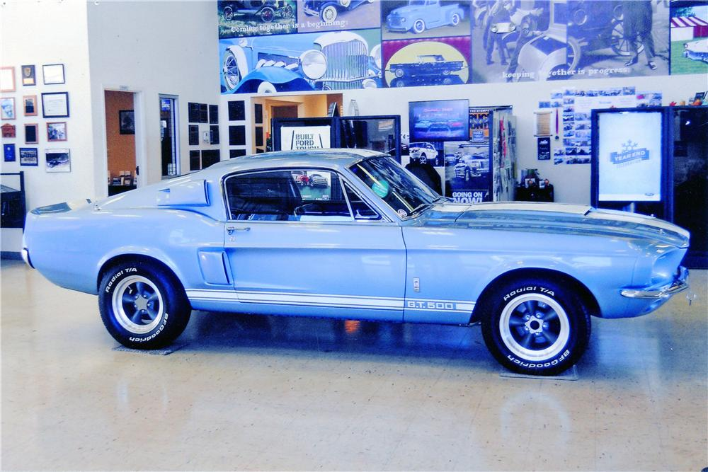 1967 SHELBY GT500 FASTBACK - Front 3/4 - 138258
