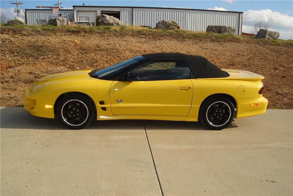 2002 PONTIAC FIREBIRD TRANS AM CONVERTIBLE - Side Profile - 138261