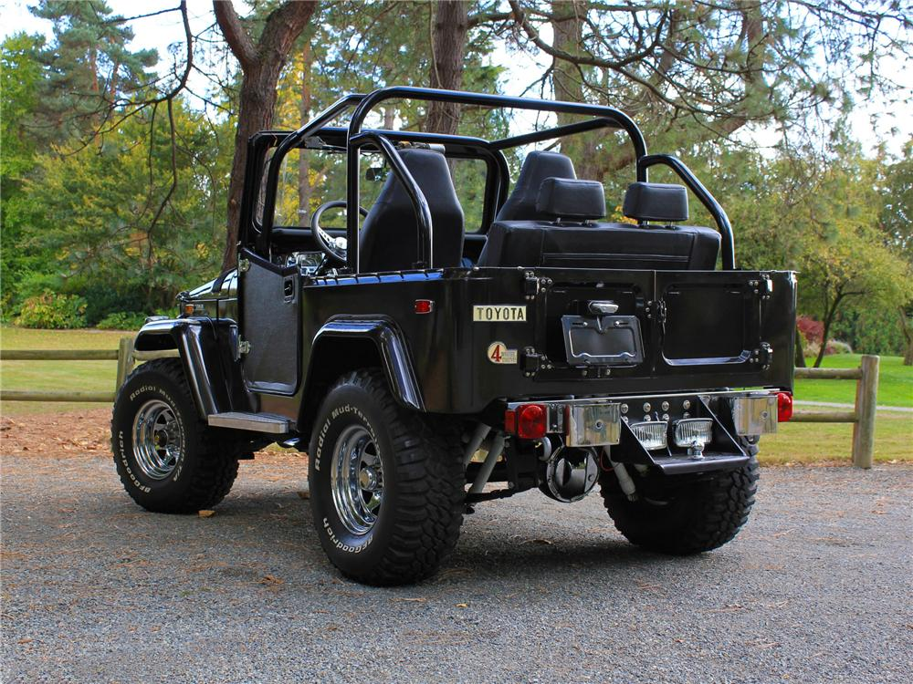 1970 TOYOTA LAND CRUISER FJ-40 CUSTOM SUV - Rear 3/4 - 138273