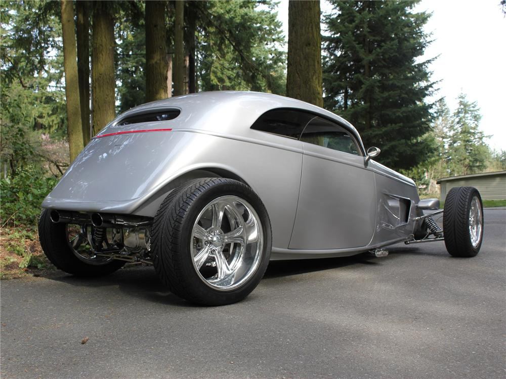 1933 FORD SPEEDSTAR CUSTOM 2 DOOR COUPE - Rear 3/4 - 138275