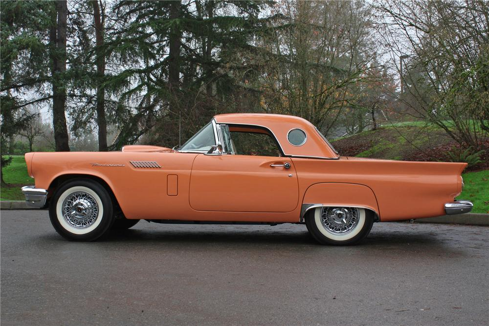 1957 FORD THUNDERBIRD CONVERTIBLE - Side Profile - 138276