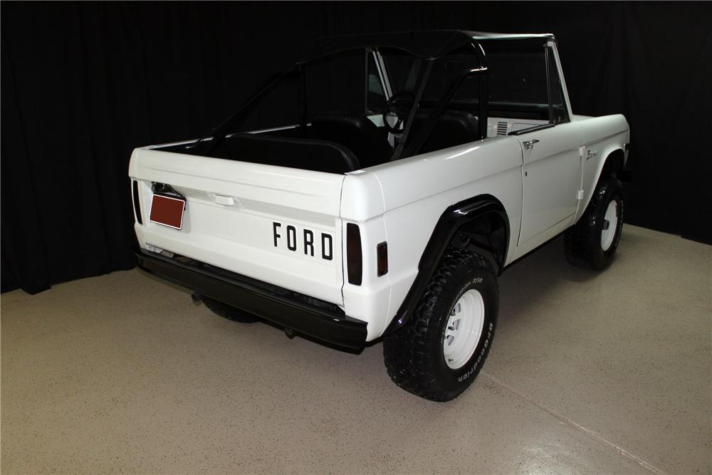 1977 FORD BRONCO CUSTOM SUV - Rear 3/4 - 138327