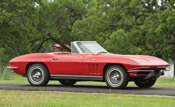 1965 CHEVROLET CORVETTE CONVERTIBLE - Front 3/4 - 138339