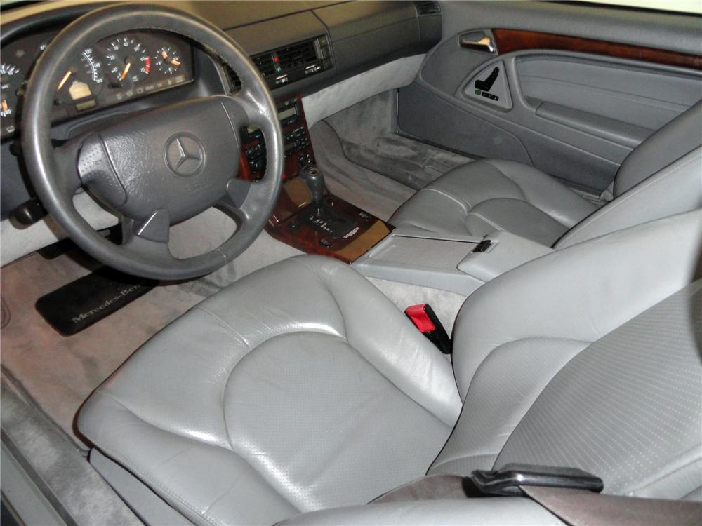 1998 MERCEDES-BENZ SL500 CONVERTIBLE - Interior - 138340