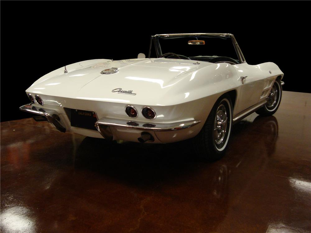 1963 CHEVROLET CORVETTE CONVERTIBLE - Rear 3/4 - 138343