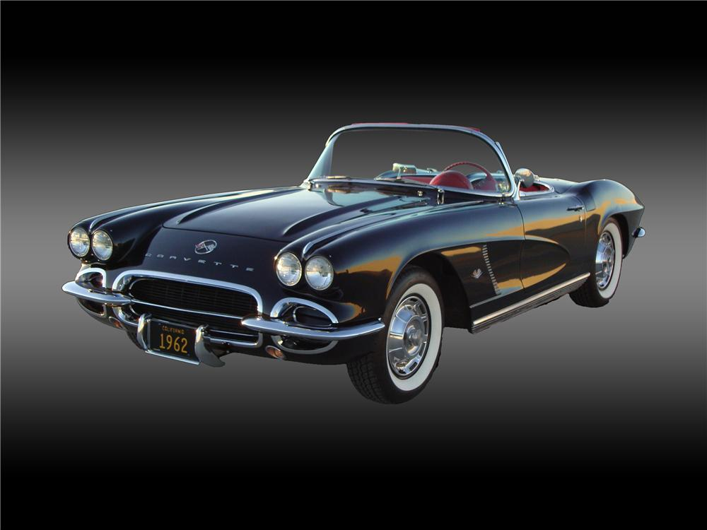 1962 CHEVROLET CORVETTE CONVERTIBLE - Front 3/4 - 138373