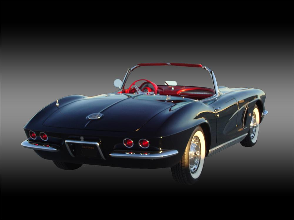 1962 CHEVROLET CORVETTE CONVERTIBLE - Rear 3/4 - 138373
