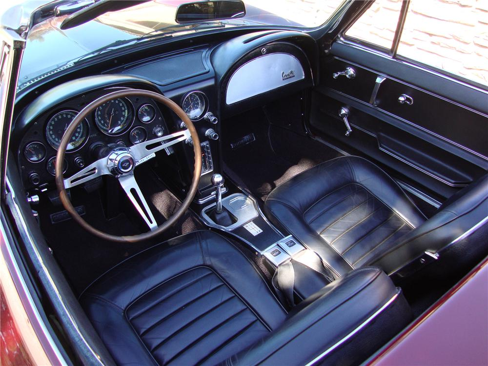 1966 CHEVROLET CORVETTE CONVERTIBLE - Interior - 138374