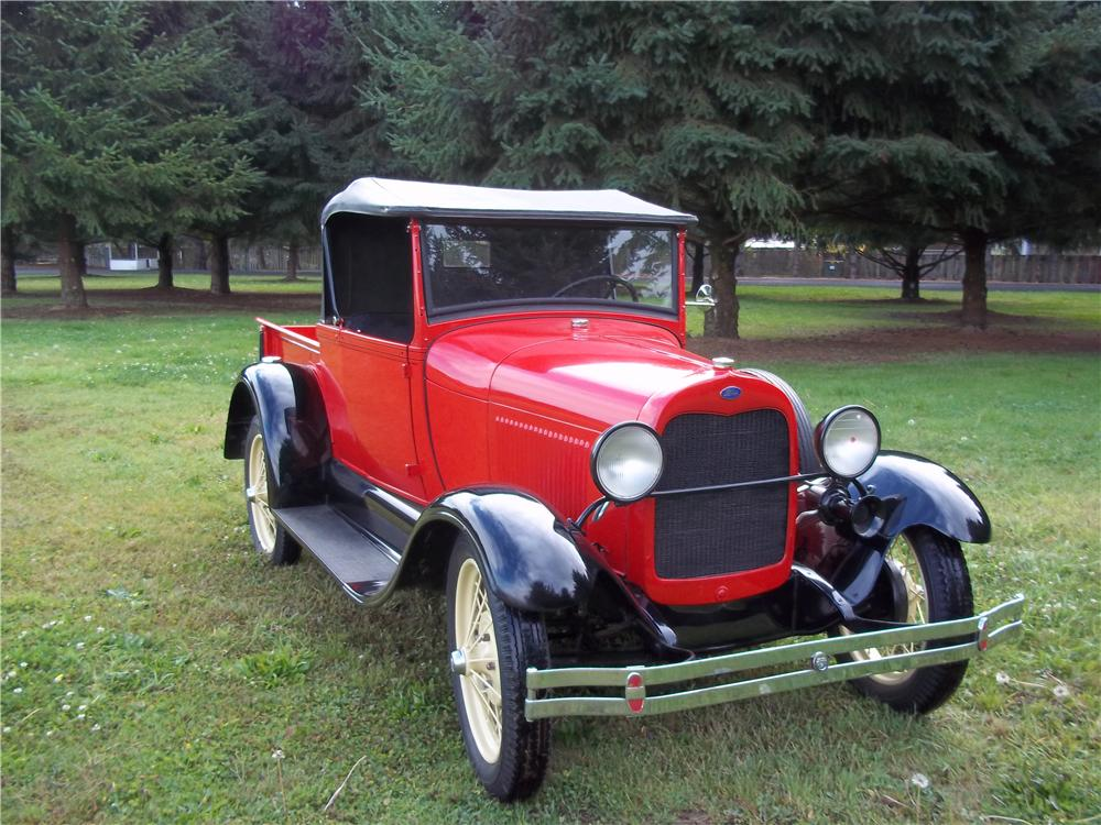 1928 FORD ROADSTER PICKUP - Front 3/4 - 138390