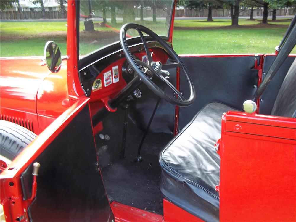 1928 FORD ROADSTER PICKUP - Interior - 138390