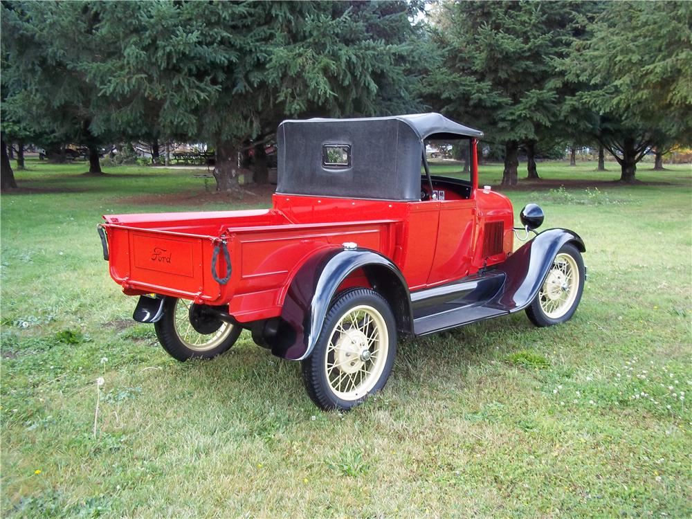 1928 FORD ROADSTER PICKUP - Rear 3/4 - 138390