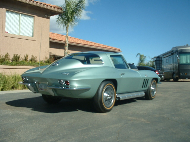 1966 CHEVROLET CORVETTE 2 DOOR COUPE - Rear 3/4 - 138399