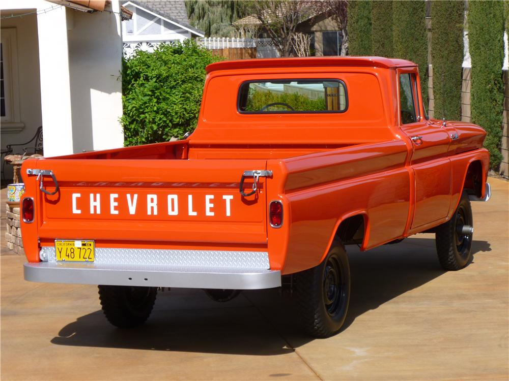 1962 CHEVROLET K10 4X4 1/2 TON PICKUP - Rear 3/4 - 138407