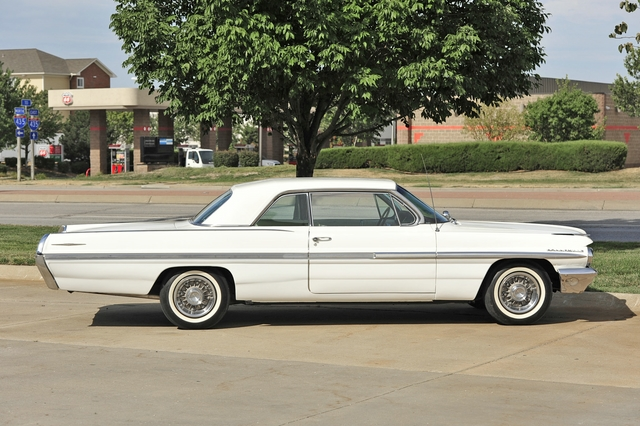 1962 PONTIAC BONNEVILLE 2 DOOR HARDTOP - Side Profile - 138427