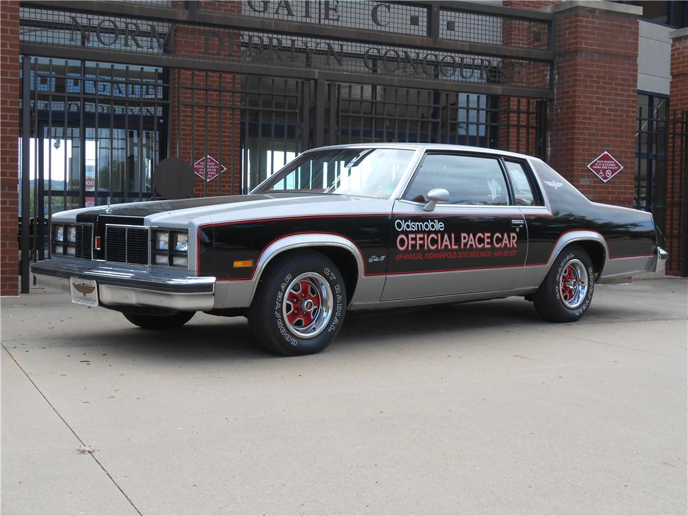 1977 OLDSMOBILE 88 INDY PACE CAR - Side Profile - 138433