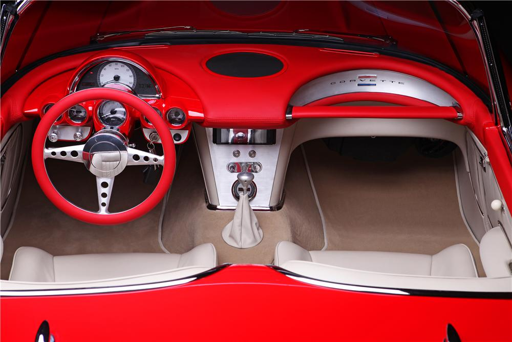 1960 CHEVROLET CORVETTE CUSTOM CONVERTIBLE - Interior - 138446