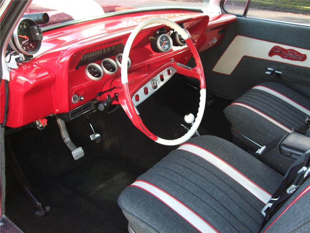 1961 CHEVROLET IMPALA CUSTOM 2 DOOR BUBBLE TOP - Interior - 138448